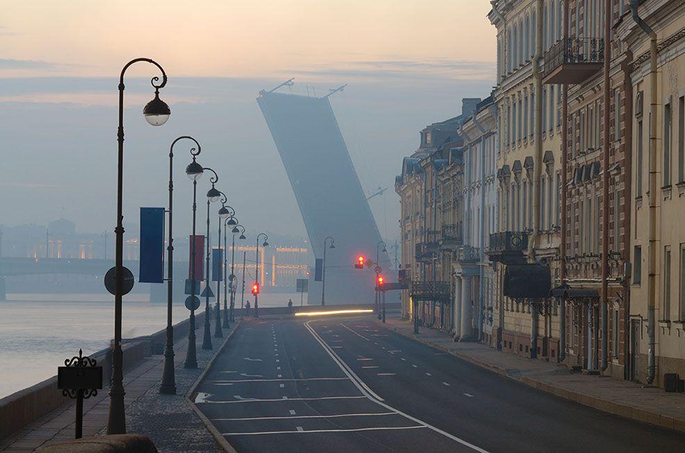 Белые ночи в Санкт-Петербурге . ночь сумерки мост разводной набережная навигация дорога