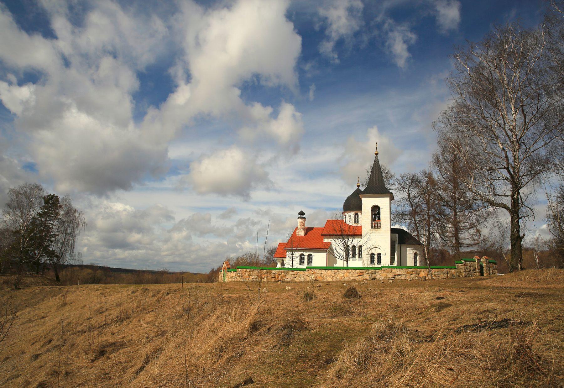 Апрельский день Бехово церковь поленовская