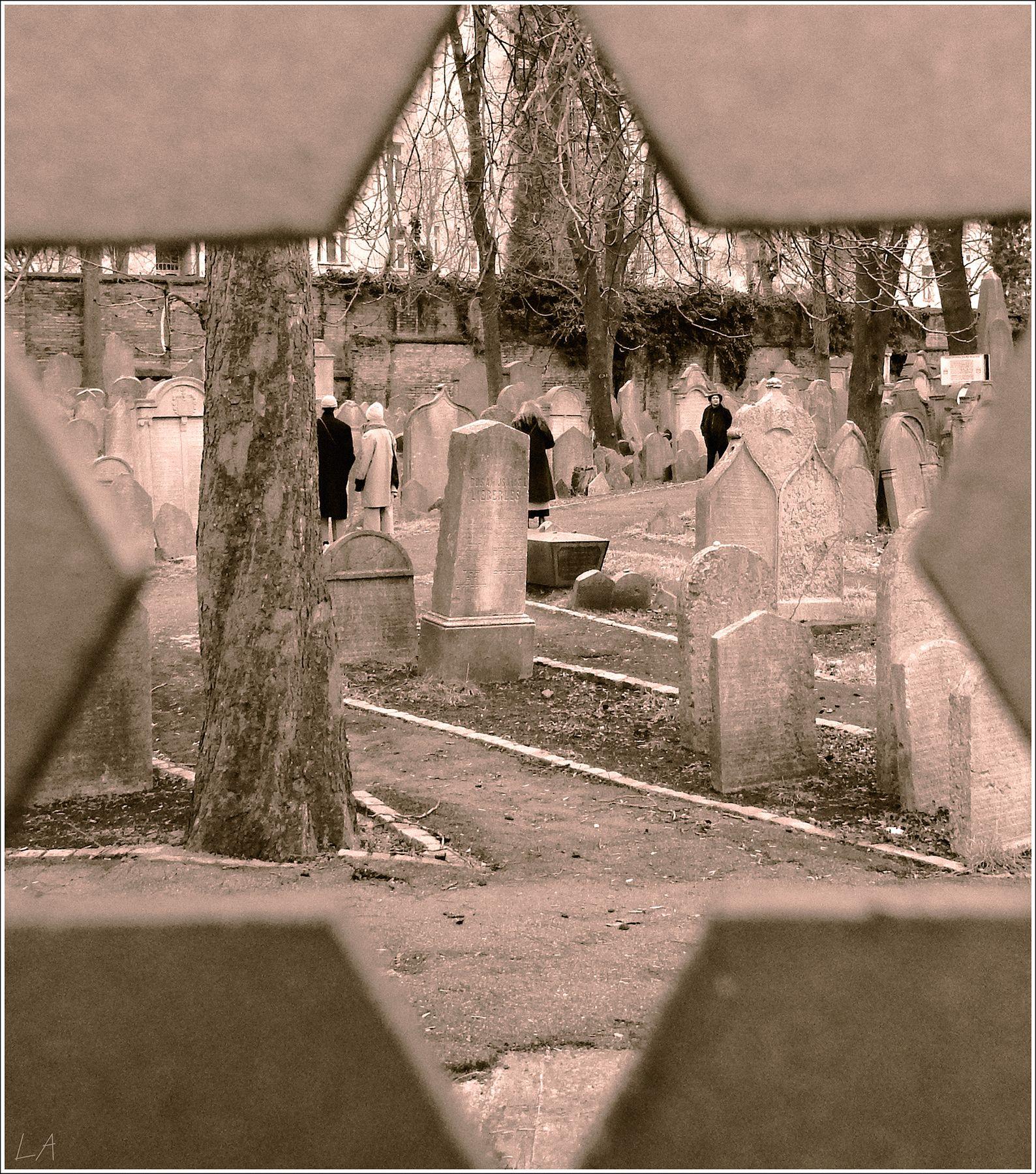 *Старое еврейское кладбище в Праге* фотография путешествия Прага кладбище зима город Фото.Сайт Photo.Sight Светлана Мамакина Lihgra Adventure