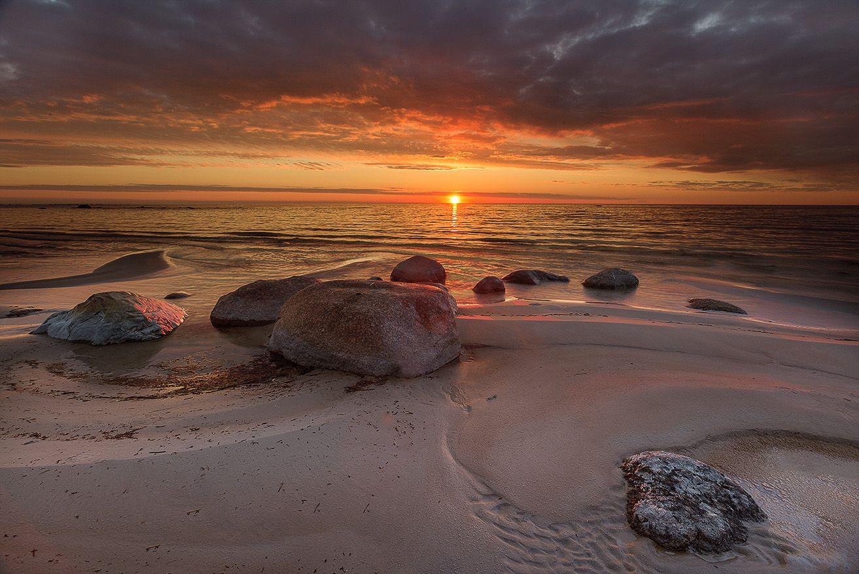 Балтика, один из вечеров. Балтика закат камни