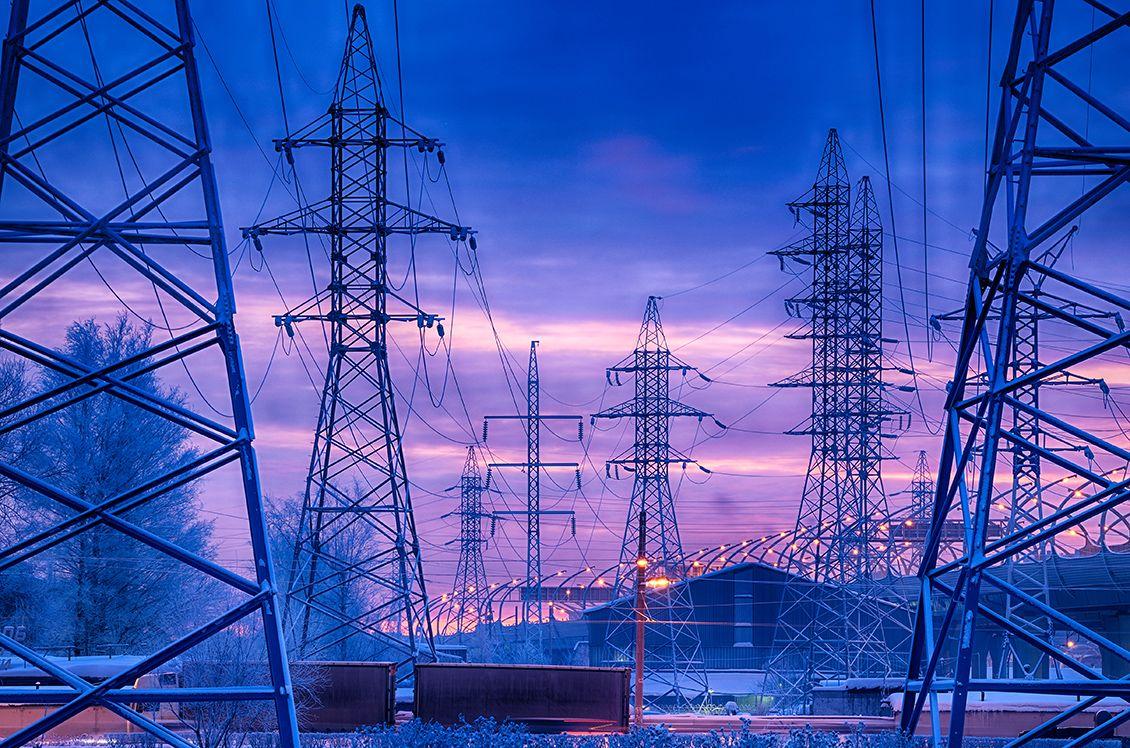Опоры линии электропередачи. электричество опора напряжение ток