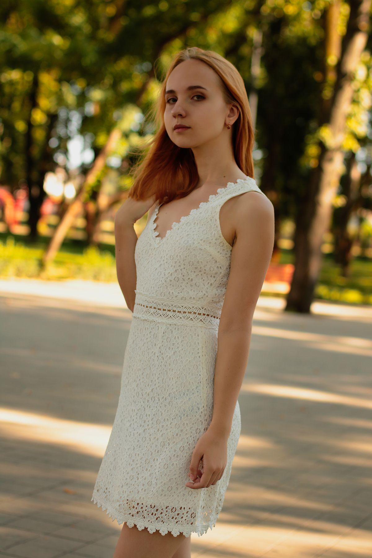 В белом платье... девушка лето прогулка