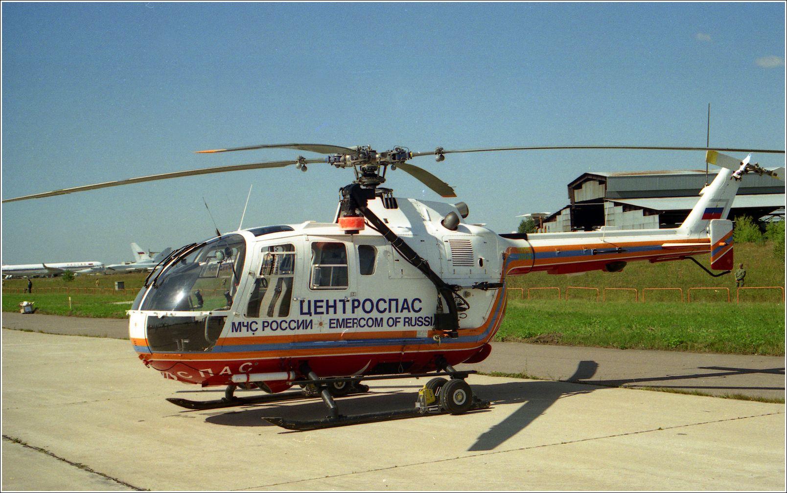 BO-105 (1998 г.) BO-105 БО-105 авиация вертолет стоянка Жуковский 1998