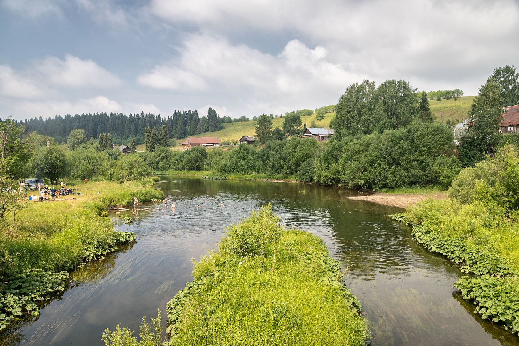 Село Матвеево река деревня лес небо пейзаж Пермский_край туризм пасмурно