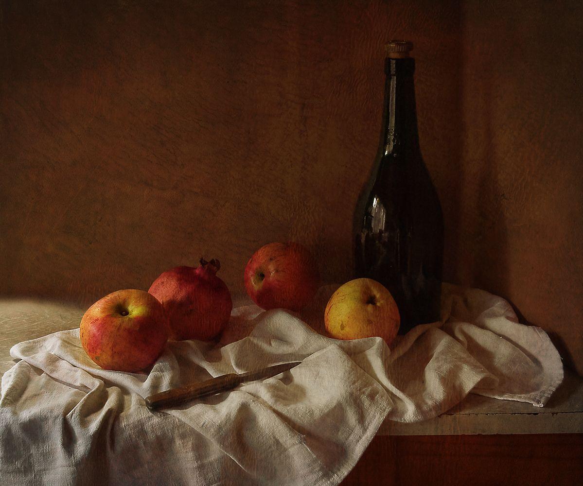 Три яблока и гранат