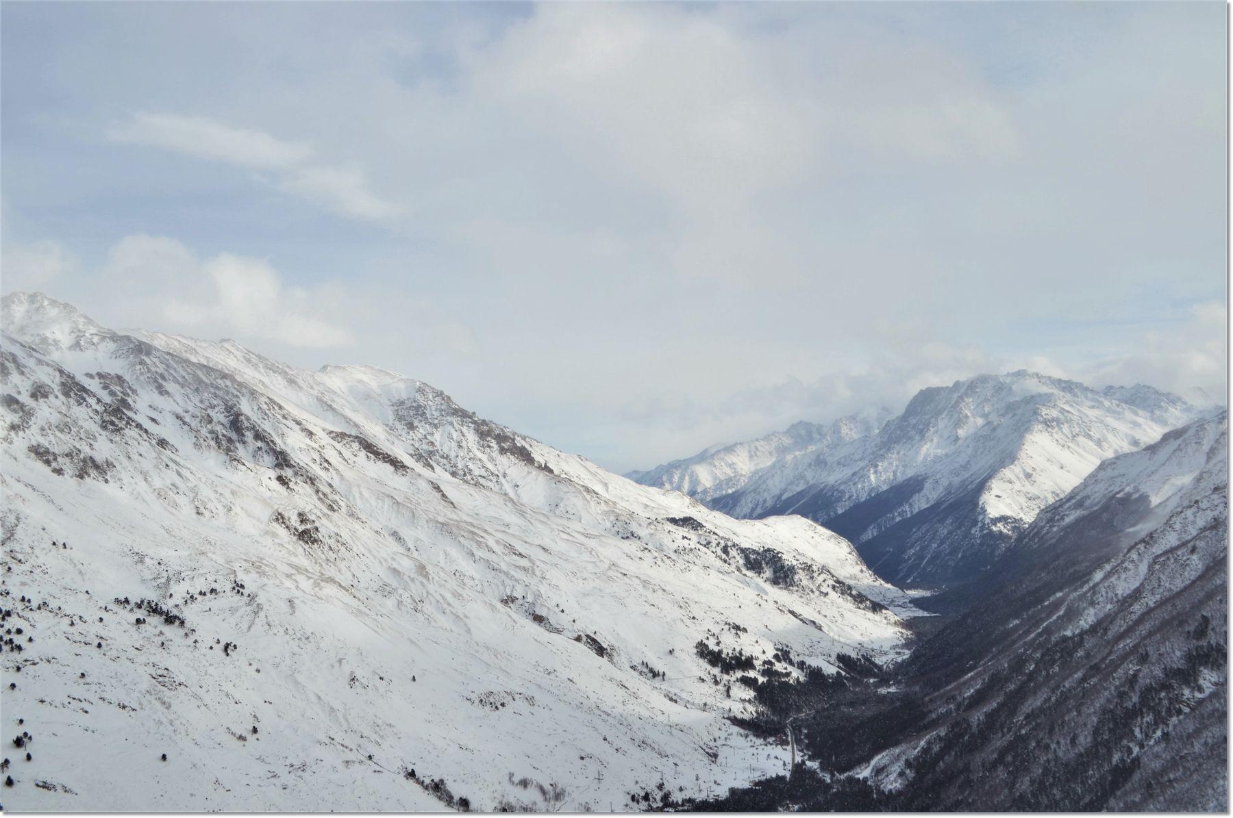 Я часто слышу музыку в горах.... Кавказ Кабардино-Балкария Приэльбрусье Чегет горы вершины красота путешествие