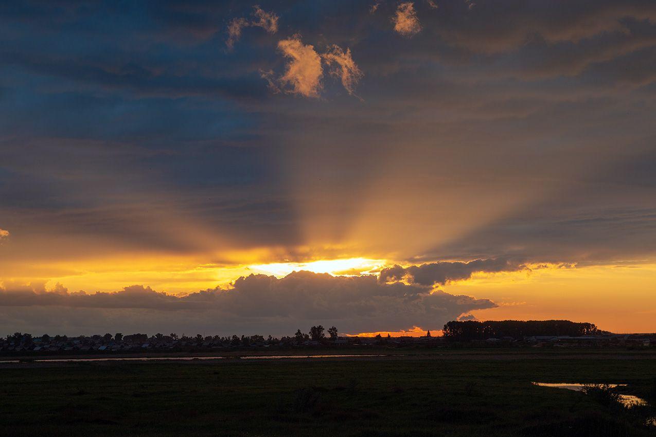 Луч солнца золотого.................... закат
