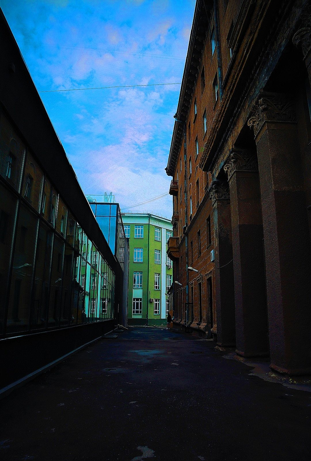 Глубины города архитектура Россия Новосибирск дом здание небо центр