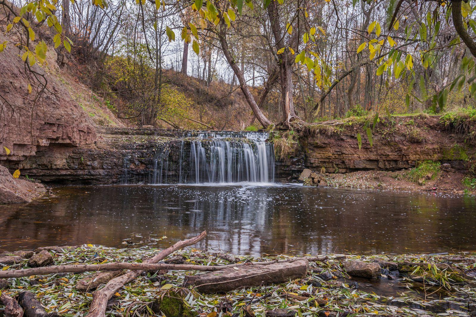 Водопад на реке Саблинка. Водопад на реке Саблинка река водопады Ленинградской области