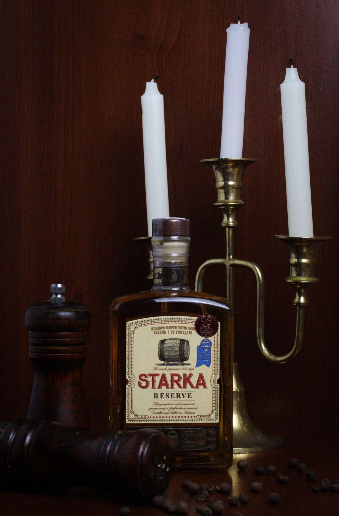 Старка алкоголь бутылка свечи предметка