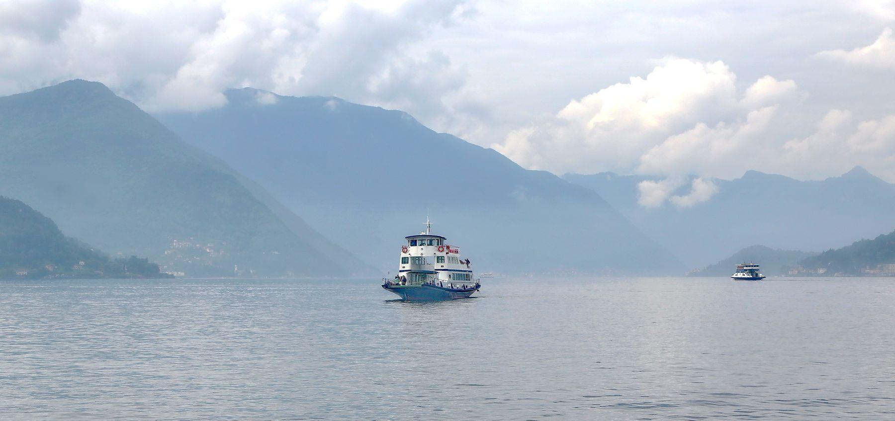 ***  однажды в утро туманное... озеро кораблик туман утро пейзаж