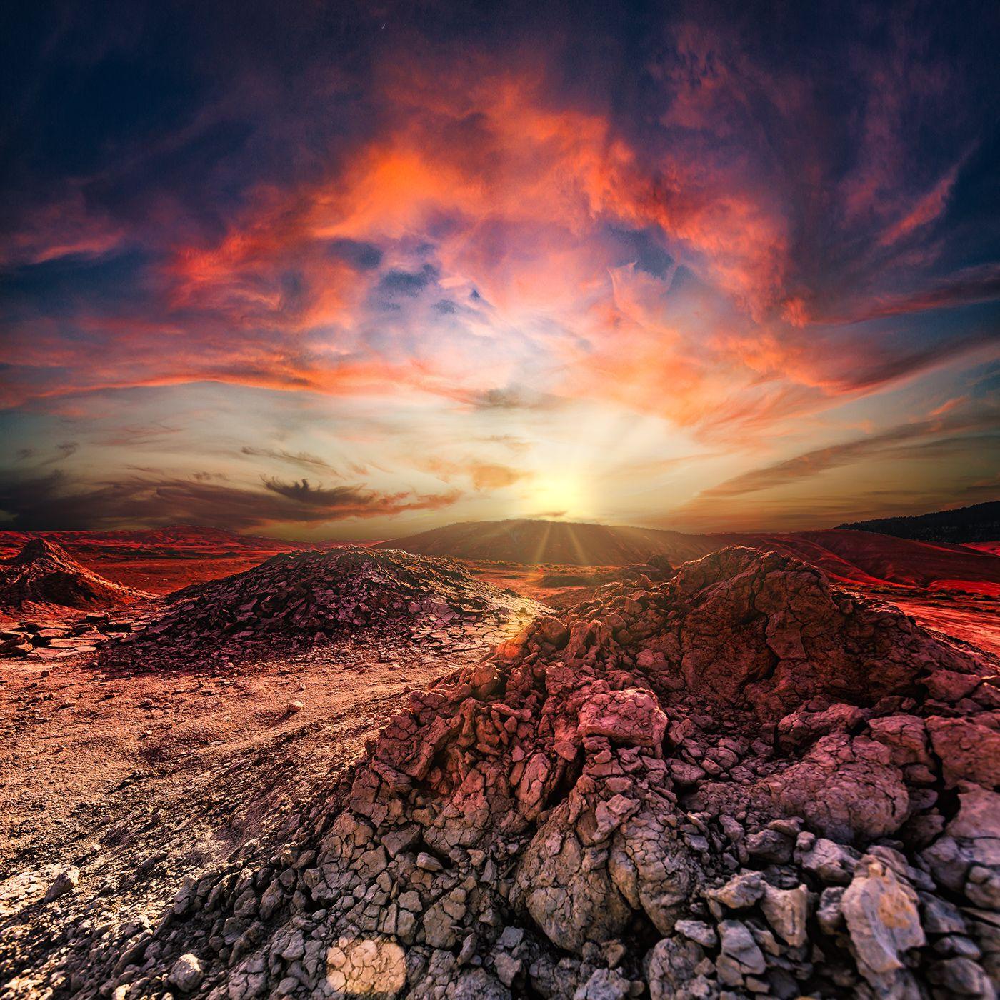 Закат на грязевых вулканах.