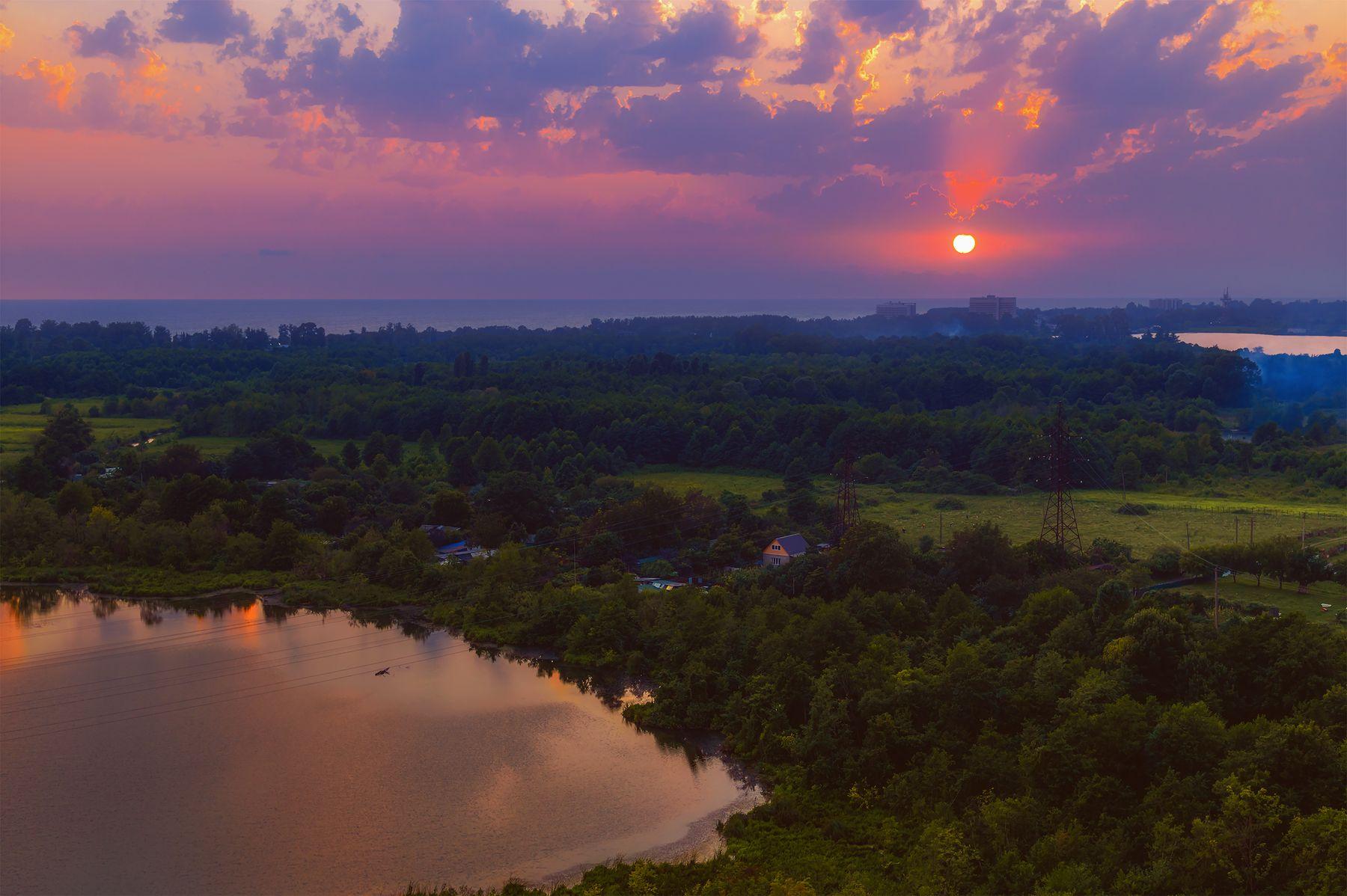 "Озеро ""Пицунда"" на закате."