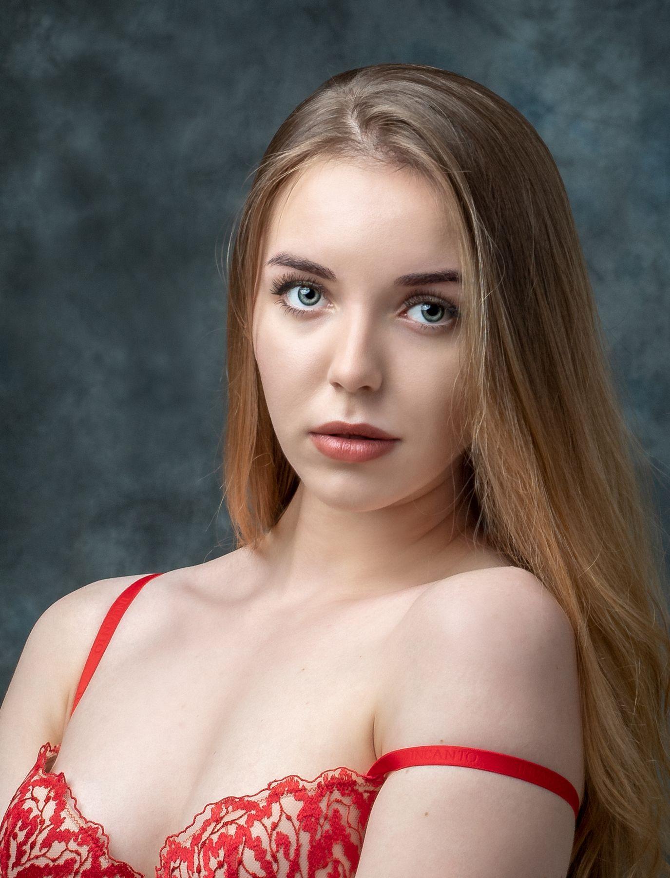 Маргарита Студийный портрет Арт красивая девушка женский фотосессия