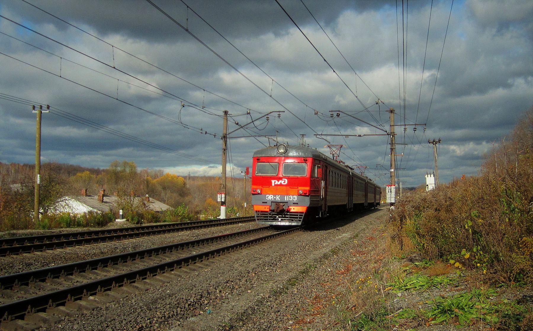 ЭР2К - 1133 ЭР2К электричка осень железная дорога