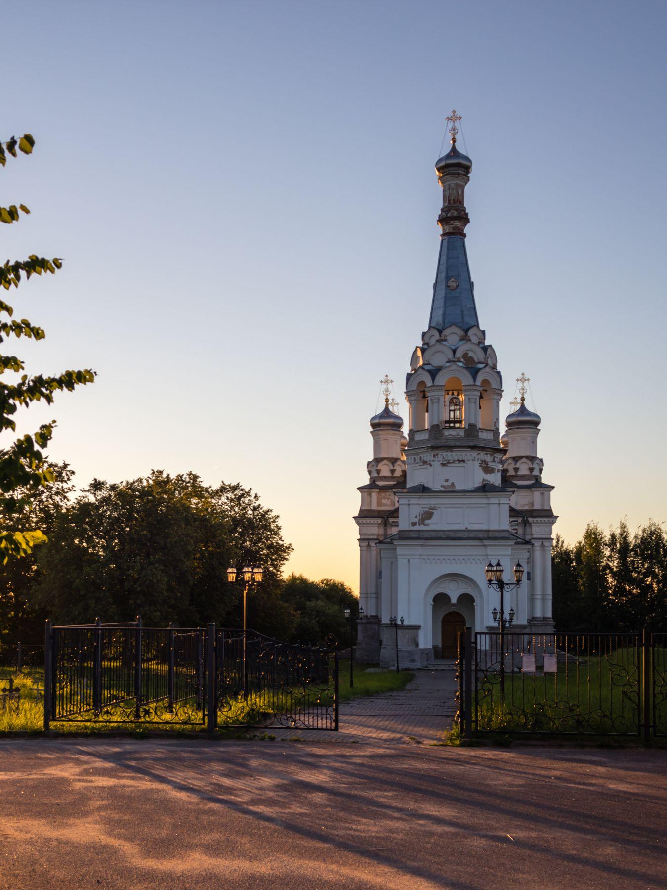 Церковь Александры Царицы в деревне Низино