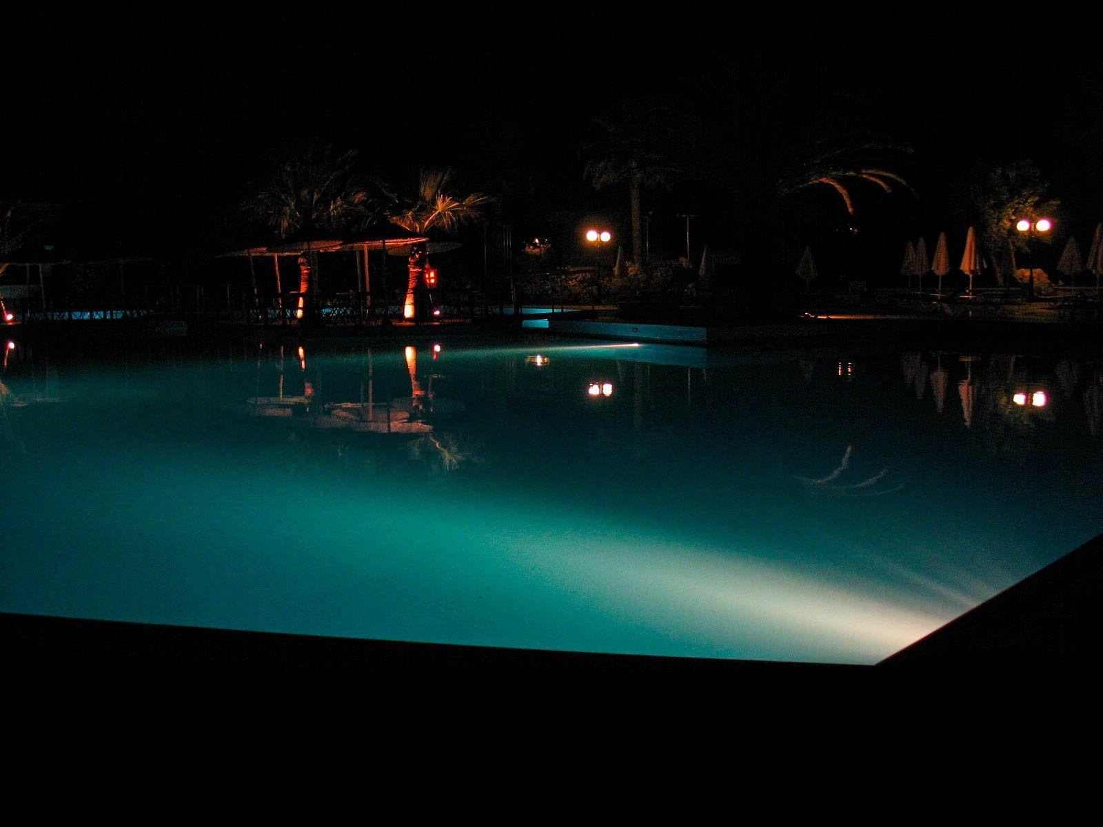 Ночной бассейн, Крит (04.06.2006)