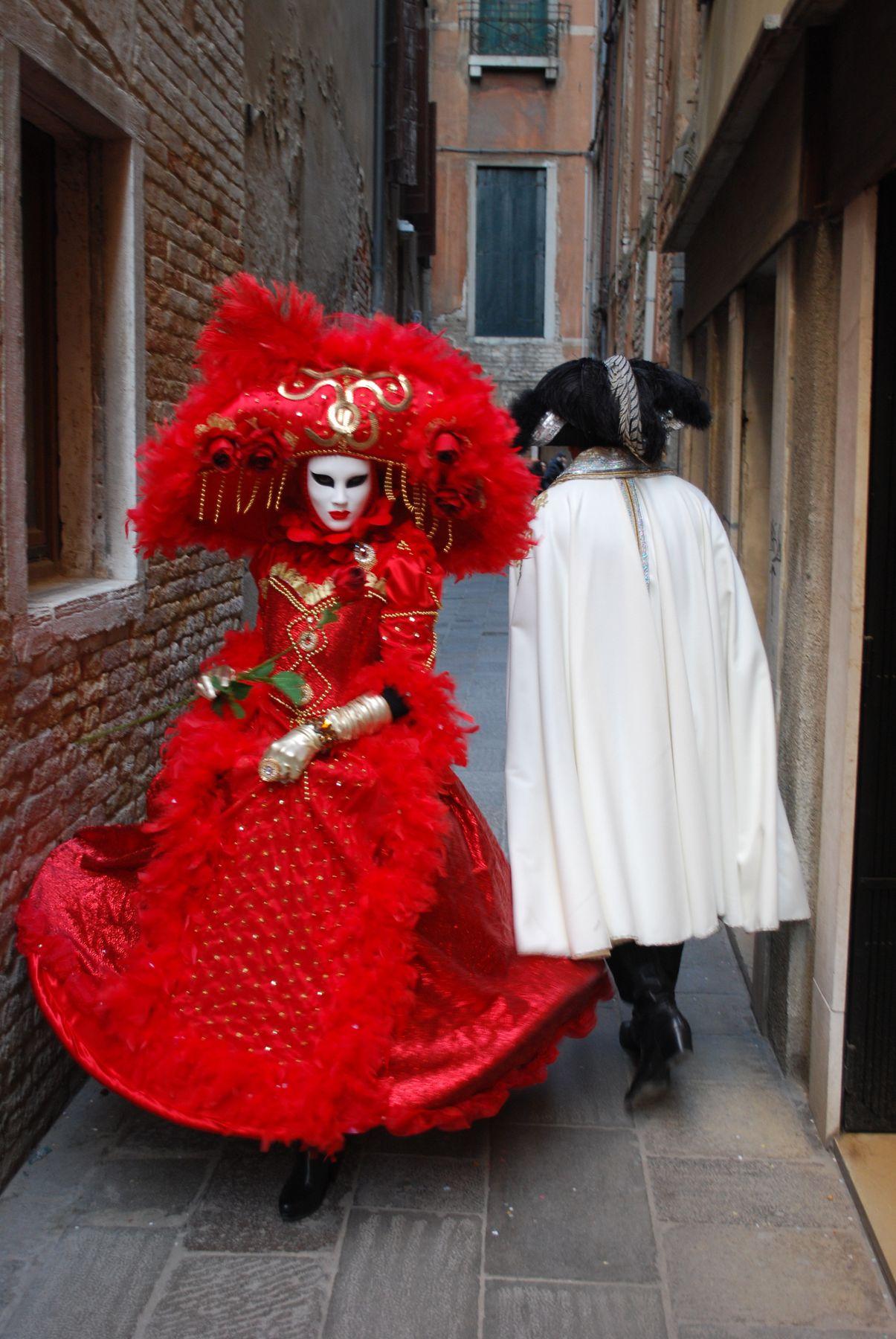 прикосновение венеция.карнавал.маски.италия.костюмы