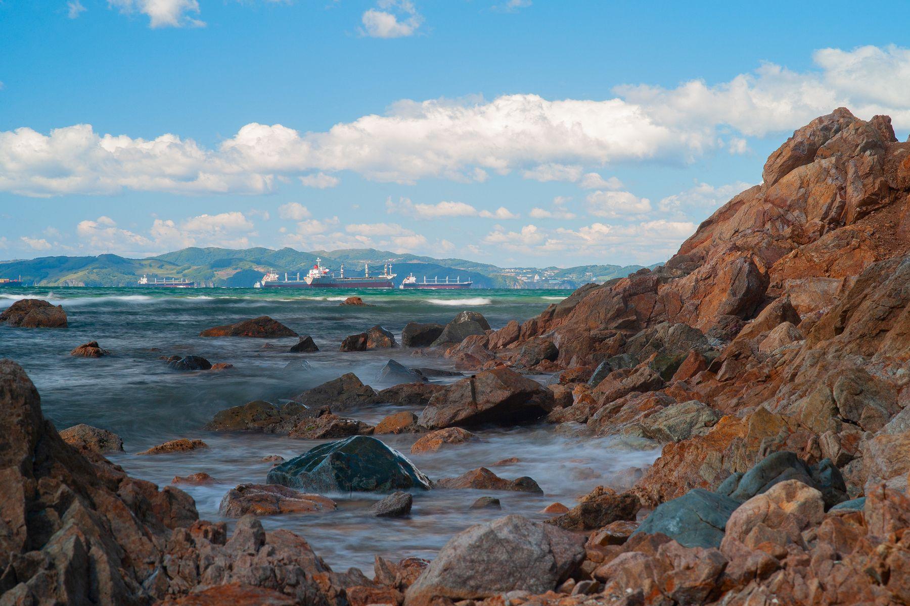 *** море горы пароход Находка Владивосток Врангель