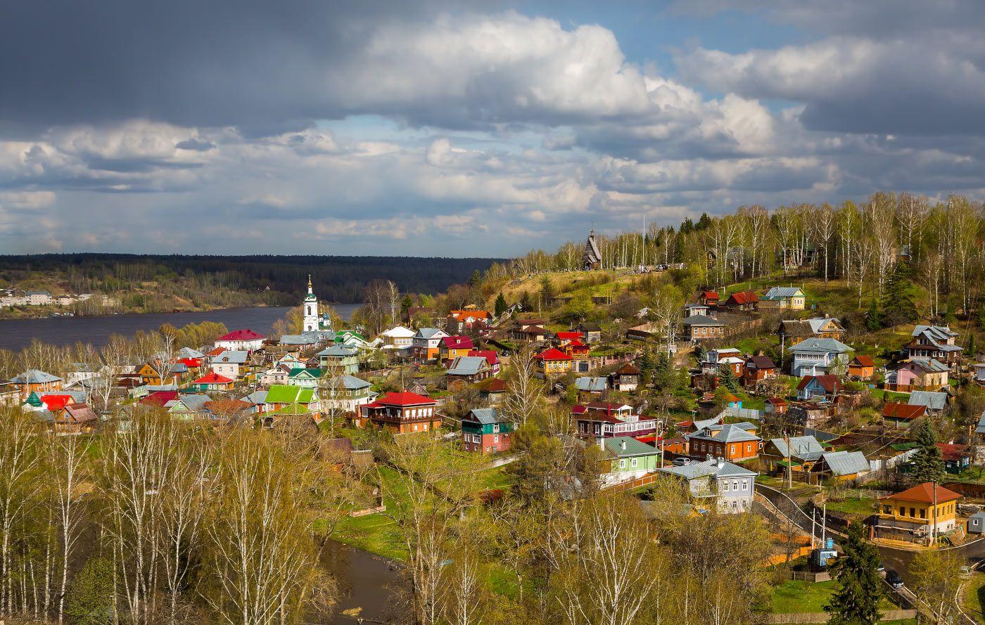 После дождя... город река Волга облака церковь храм весна май
