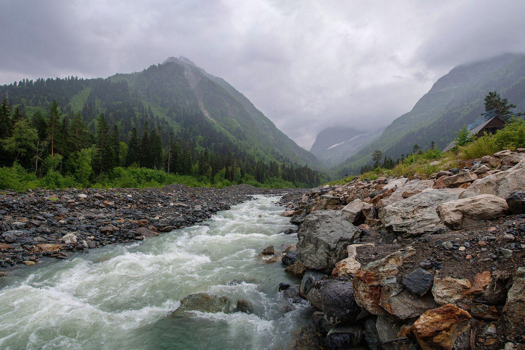 Истоки реки Теберда в Домбае