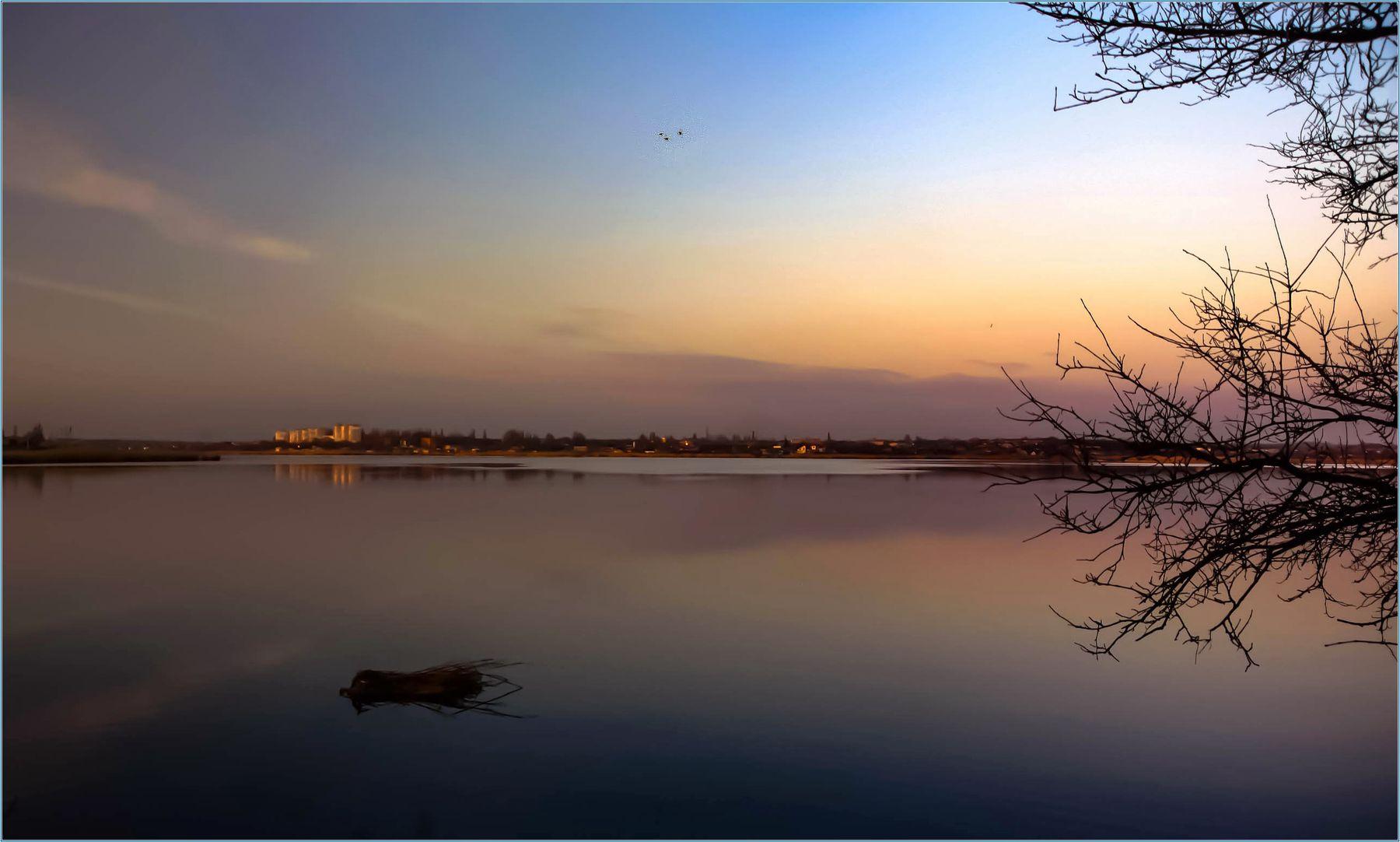 Первый вечер апреля. Река Ингул небо