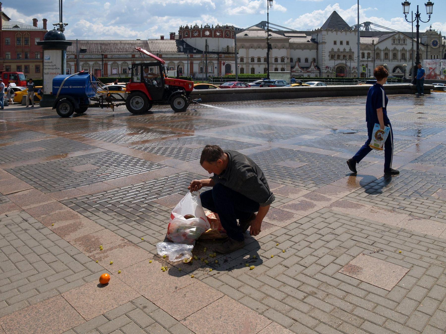 Комсомольская площадь Комсомольская площадь трех вокзалов