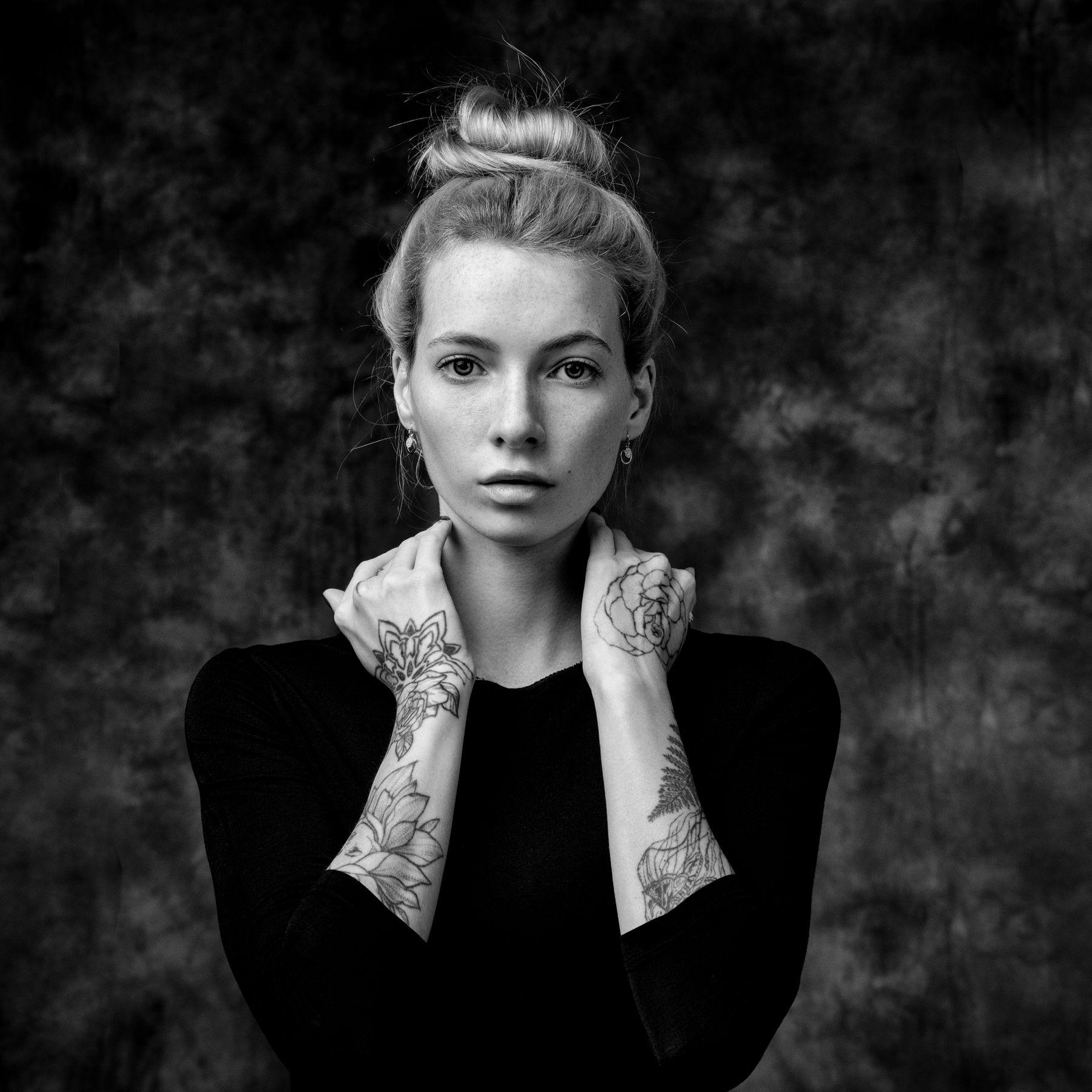 Александра Студийный портрет Арт красивая девушка женский фотосессия