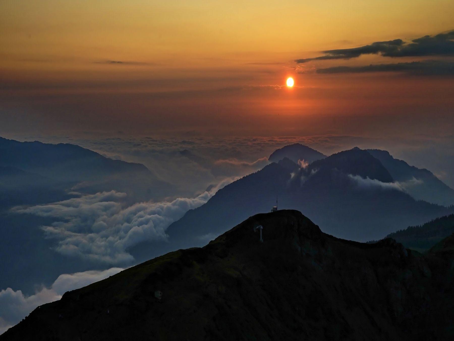Закат в горах горы закат