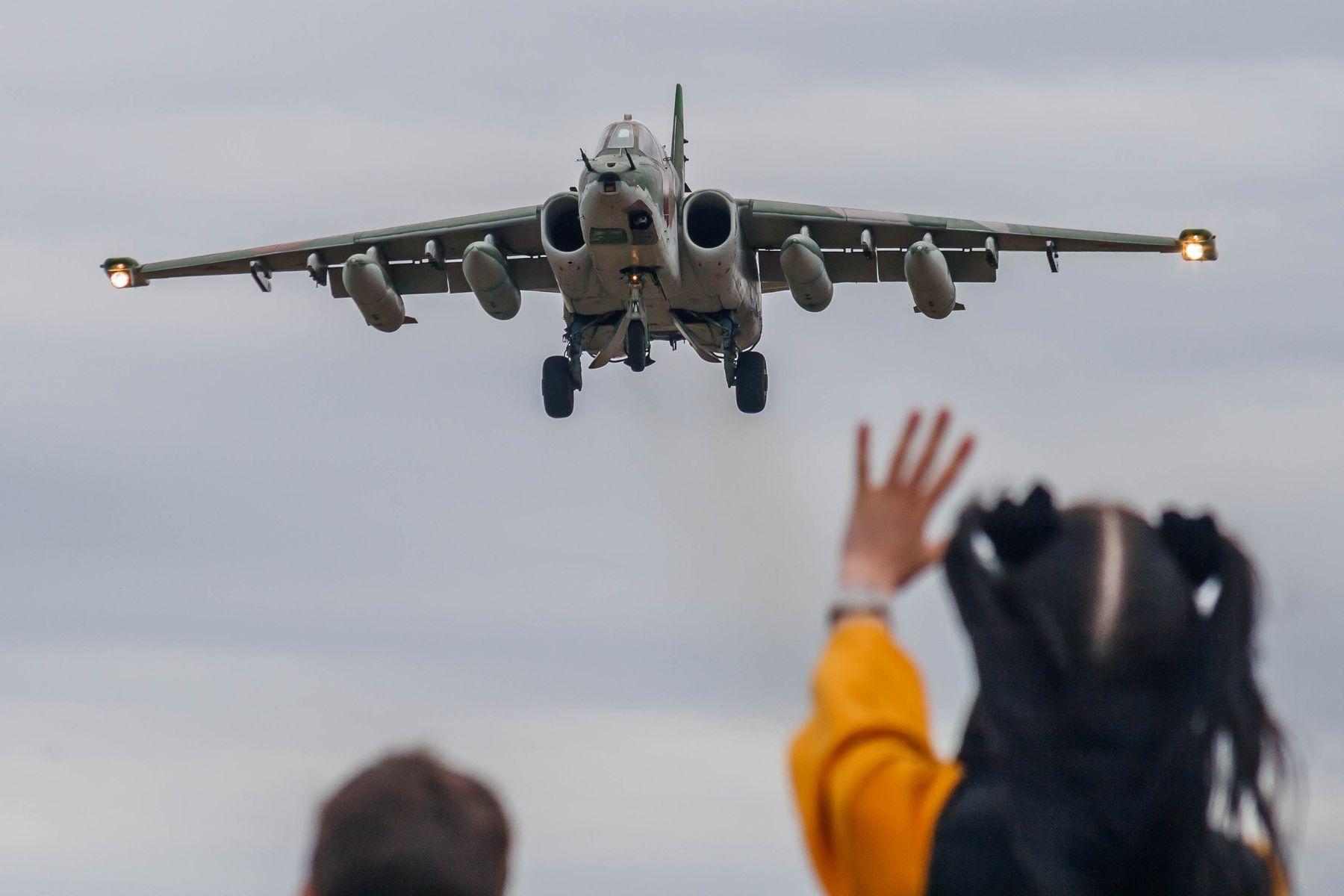Привет! авиабаза Кубинка Су-25