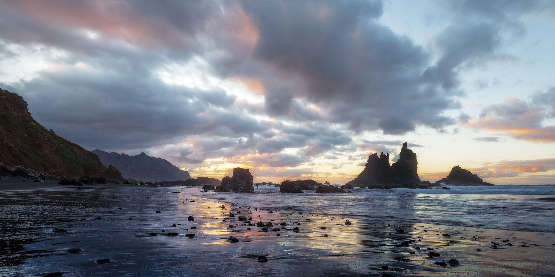 Отблески заката на песке Испания Бенихо закат океан выдержка скалы горы облака пляж берег