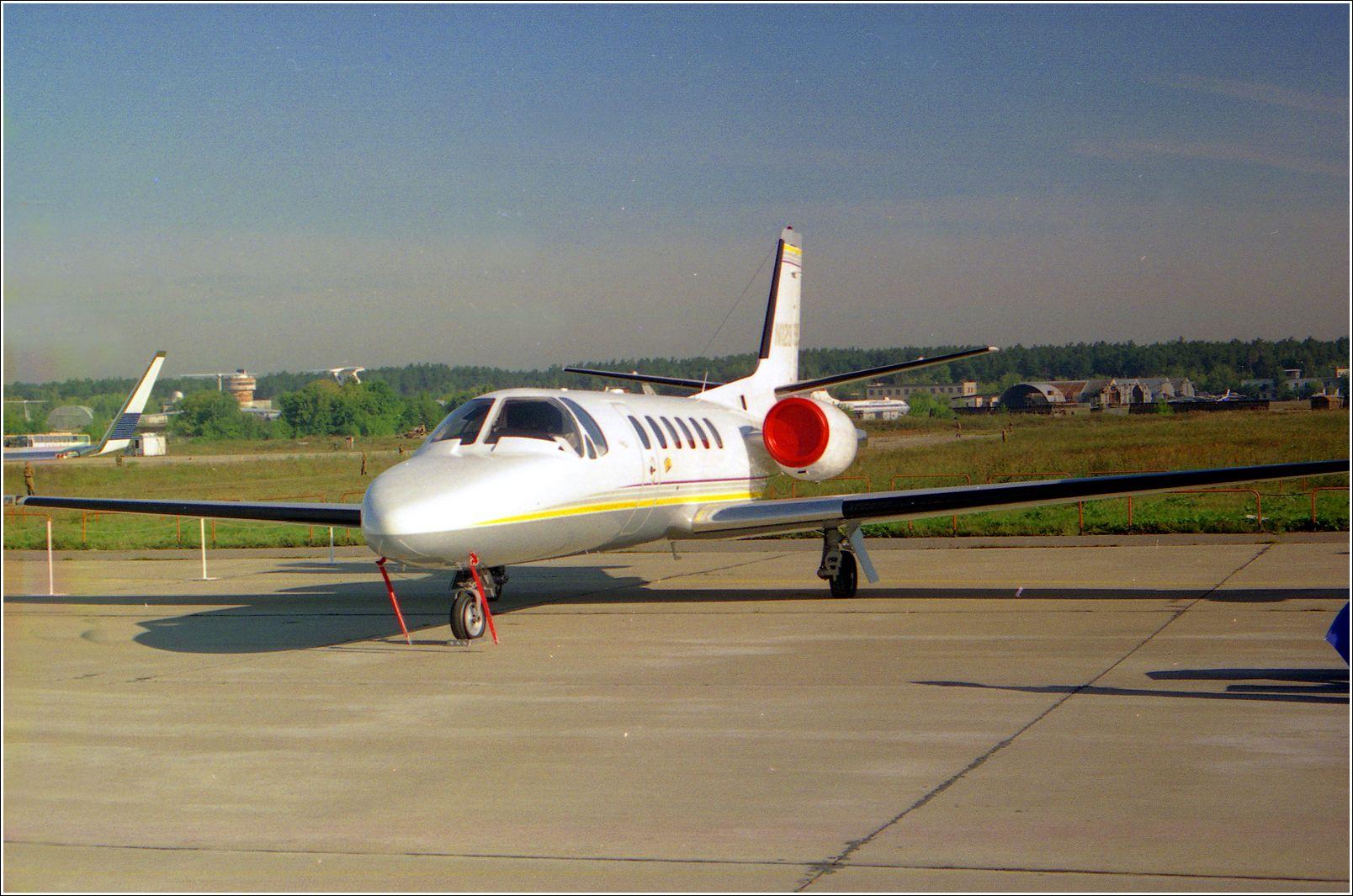 Бизнес-Джет Бизнес-Джет самолент авиация стоянка Жуковский 1998