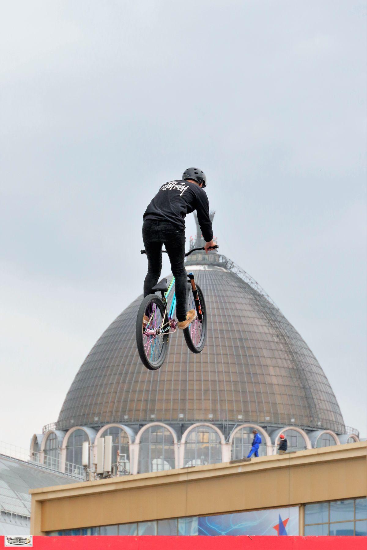 Когда кручи не страшны велосипед экстремальный спорт соревнования ВДНХ