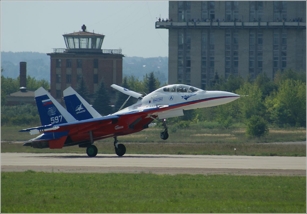 Су-27 Су-27 авиация самолет посадка Жуковский МАКС-2007