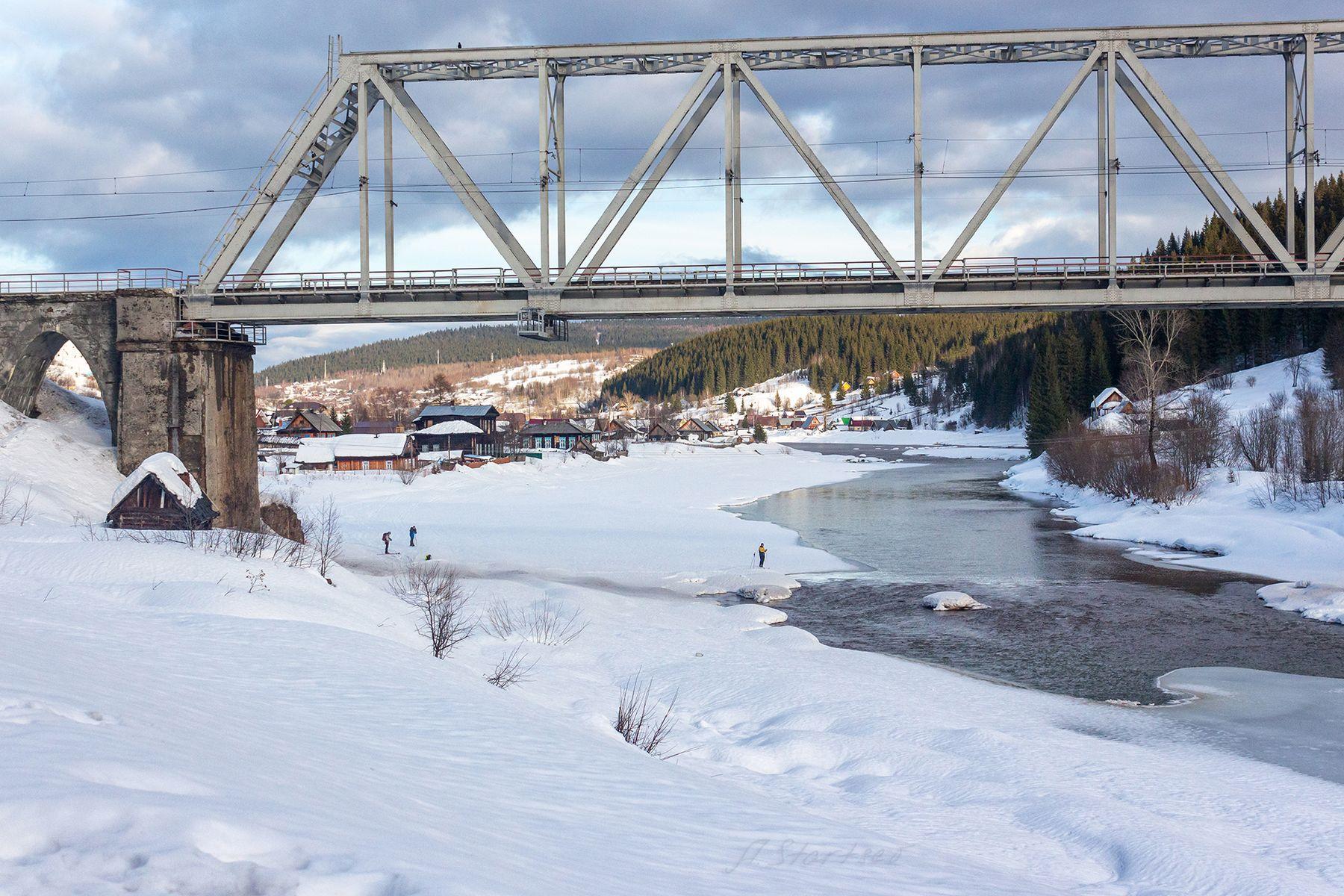 Мост через Усьву зима снег река Усьва пейзаж природа Урал мост туризм Пермский_край