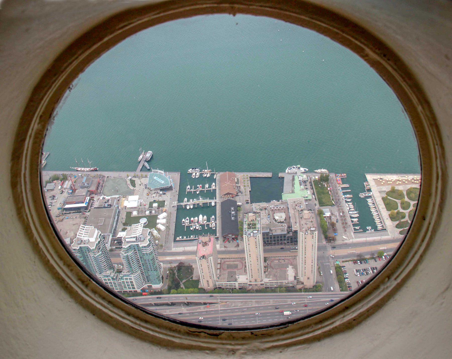 Иллюминатор Торонто CN Tower
