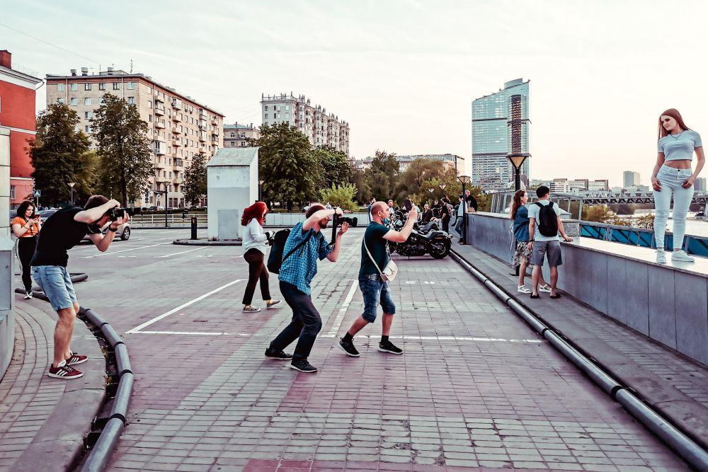 Быть звездой улица Россия 2021 фотограф модель девушка снимок память стрит фото город Москва