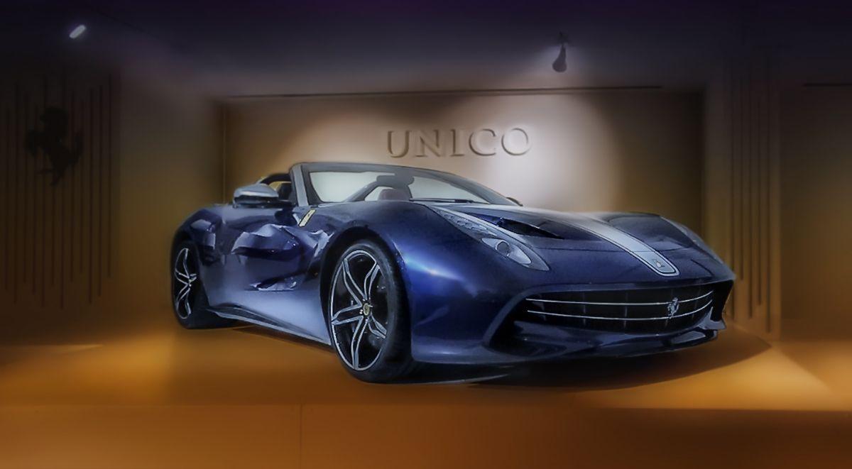 *Одна из коллекционных моделей *Ferrari* из заводского музея.