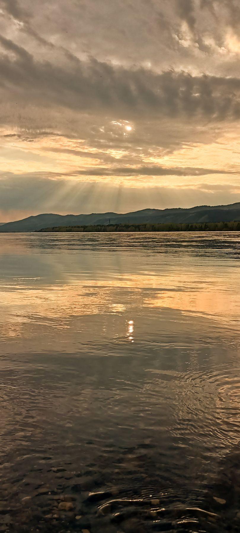 *** Закат закат на реке отражение солнца небо лучи солнечные вода красивый