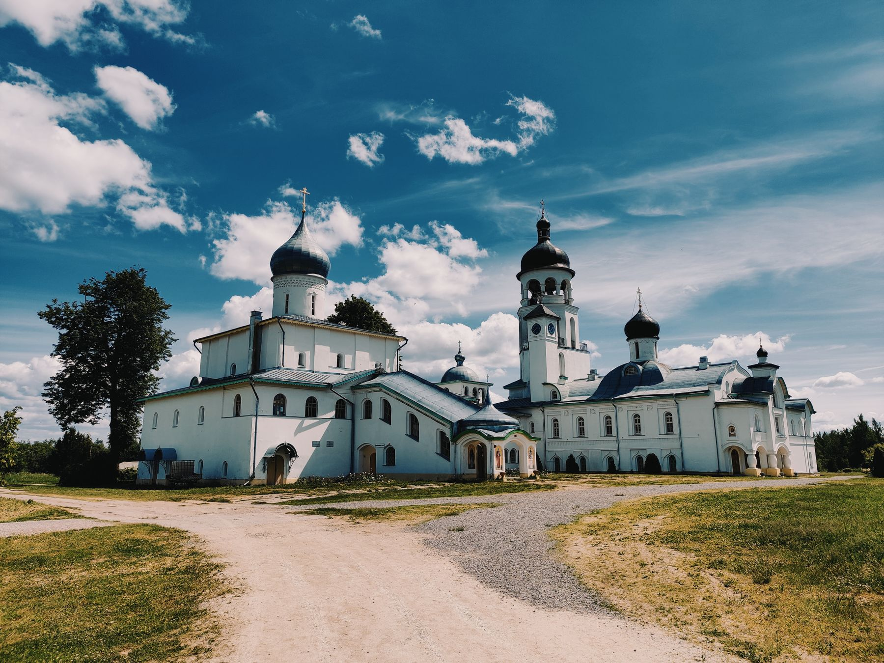 Крыпецкий монастырь Крыпецкий монастырь лето небо дорога умиротворение