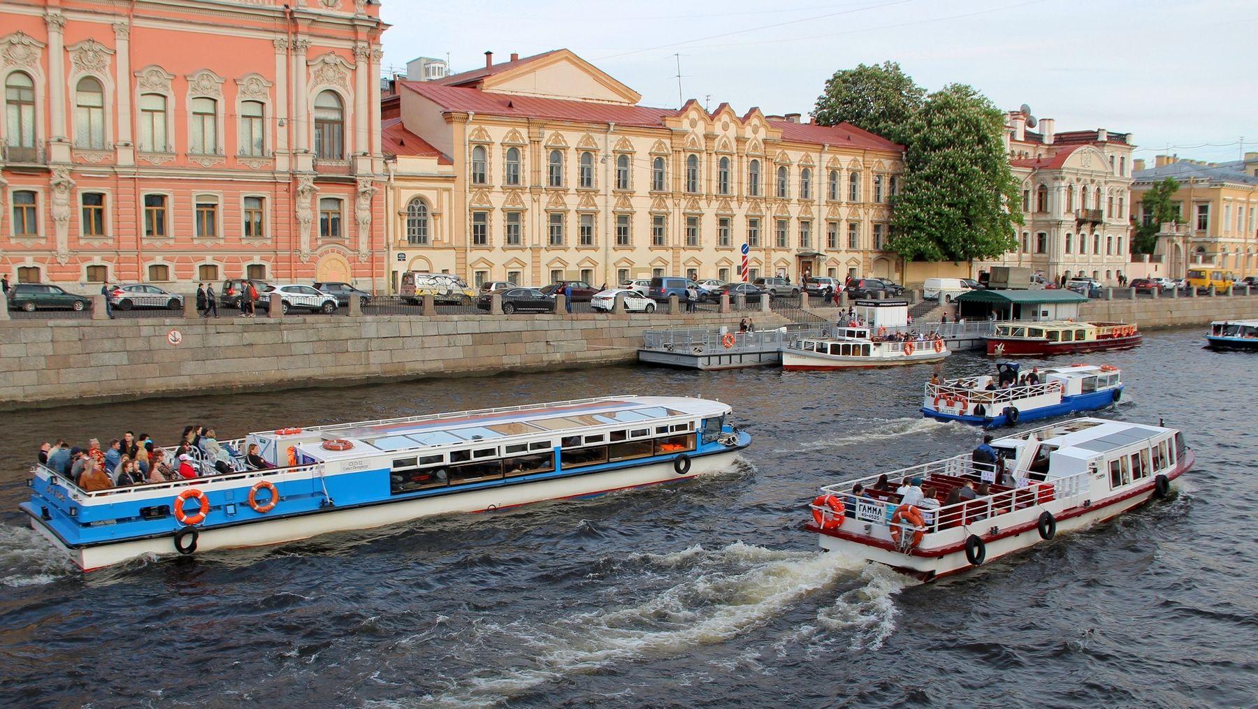 Речные гонки река город