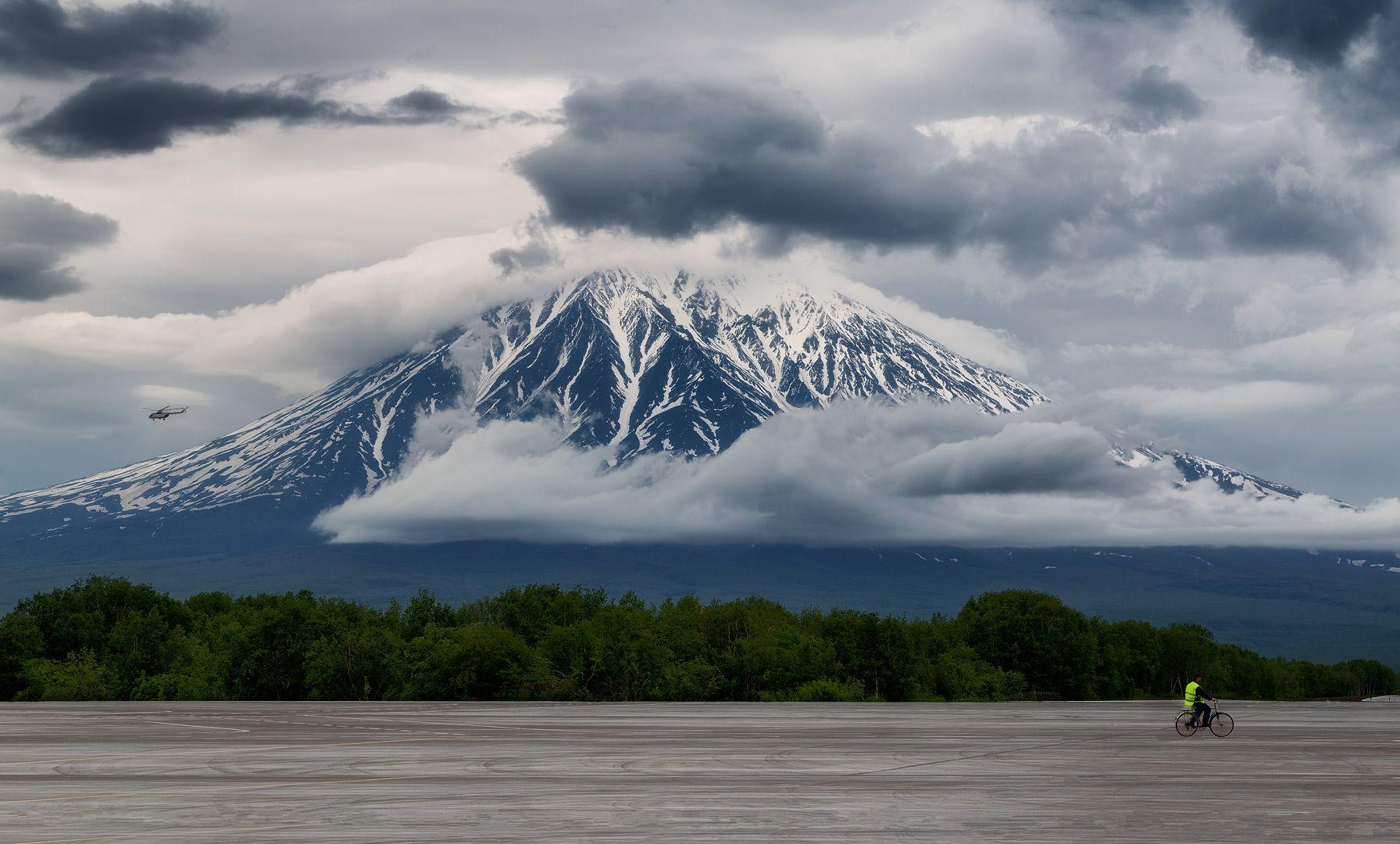 the Constant Корякский вулкан Камчатка лето аэропорт Елизово