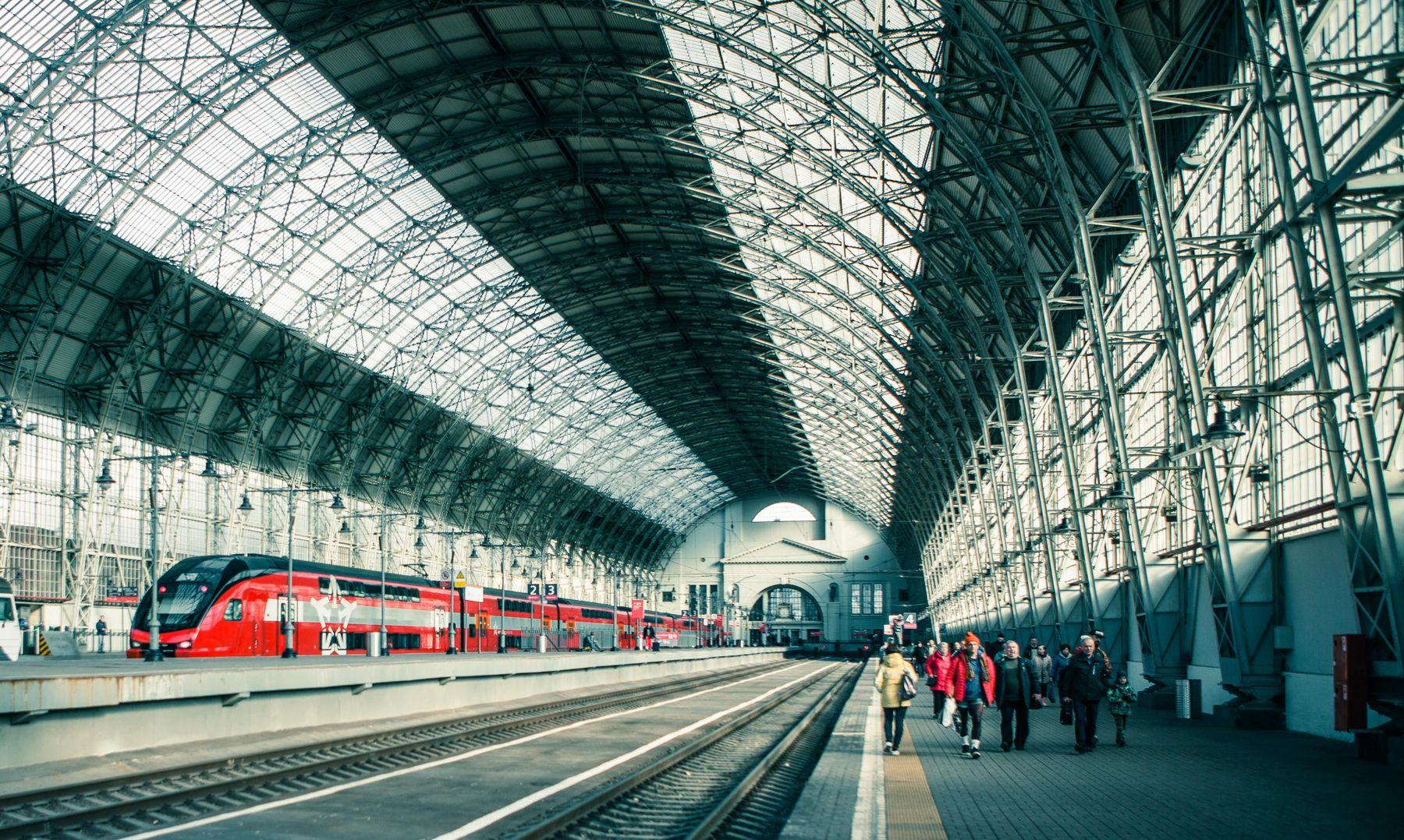 В ДОРОГУ вокзал поезд пути пассажиры