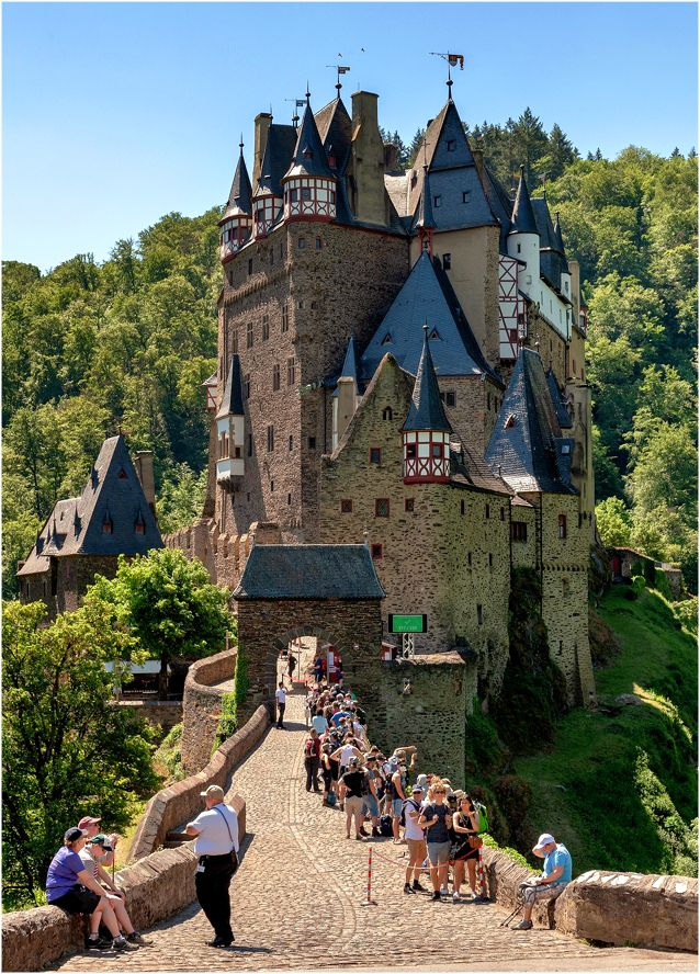 Замок Эльц