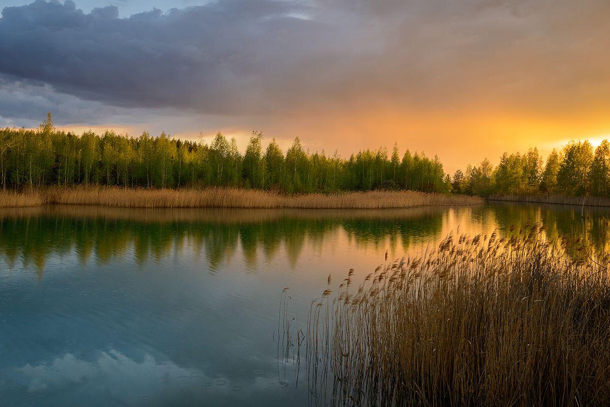 Закат... Май закат озеро