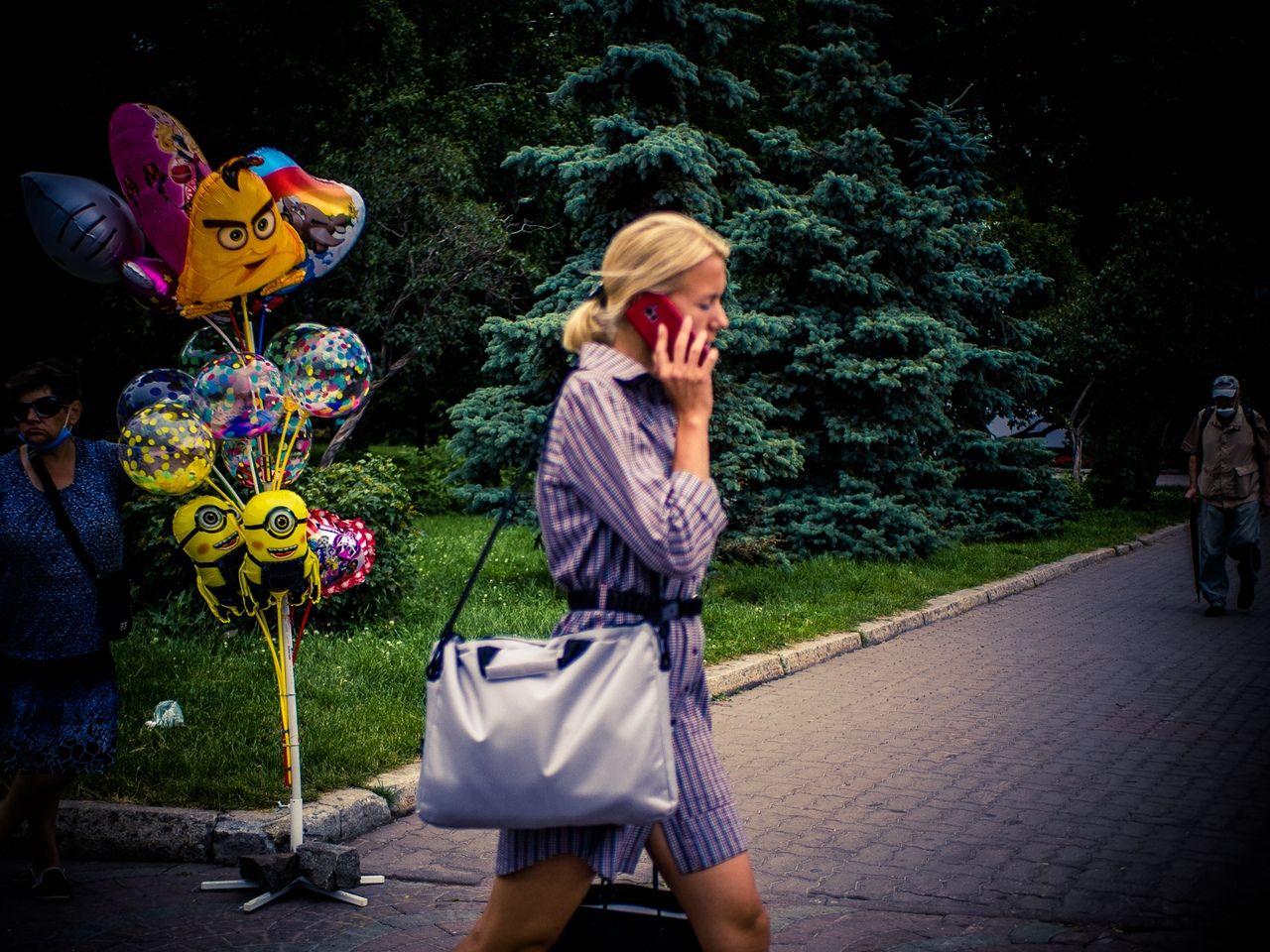 *** город стрит девушки Новосибирск лето