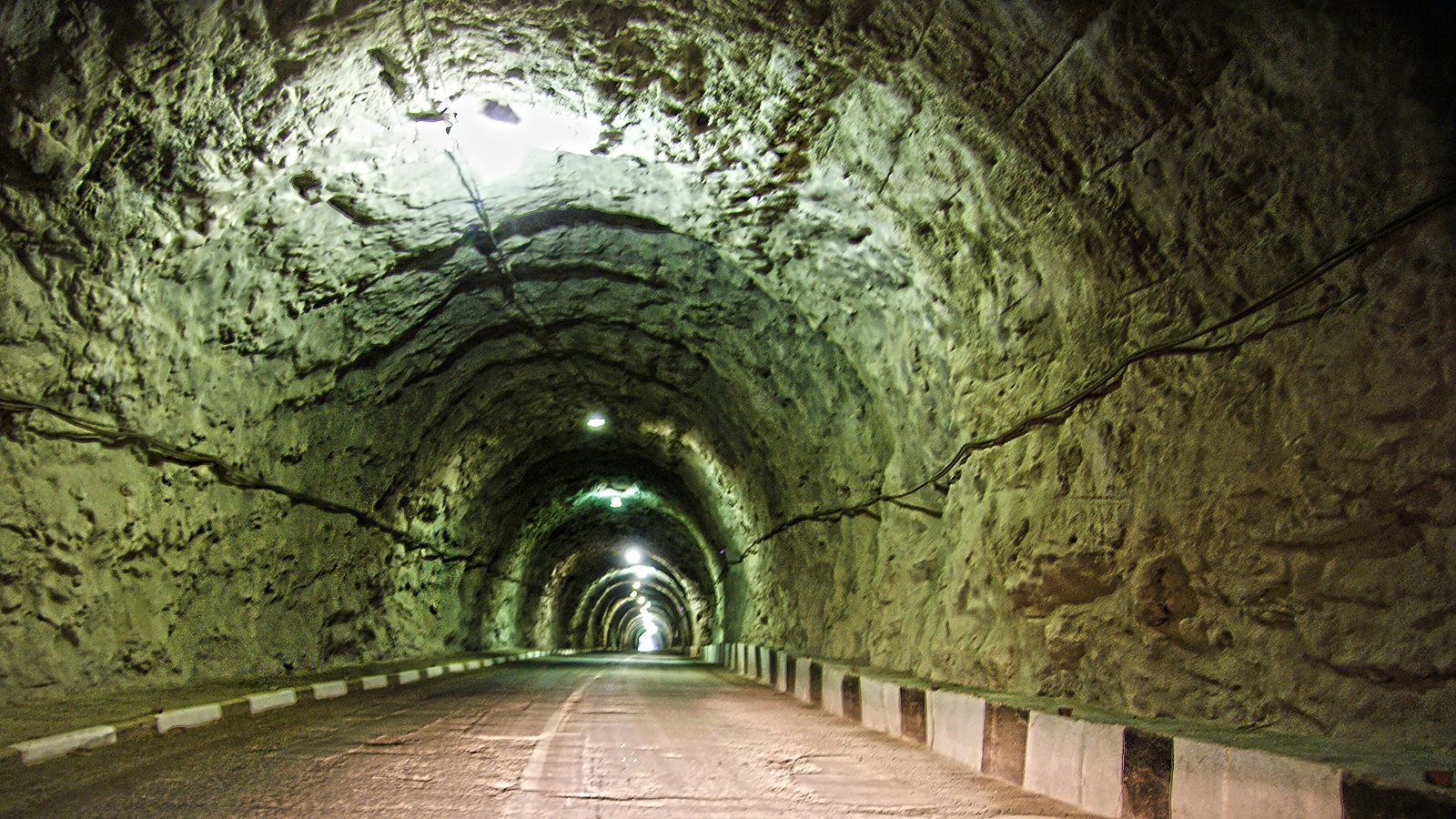 свет Черекское ущелье тоннель свет конец