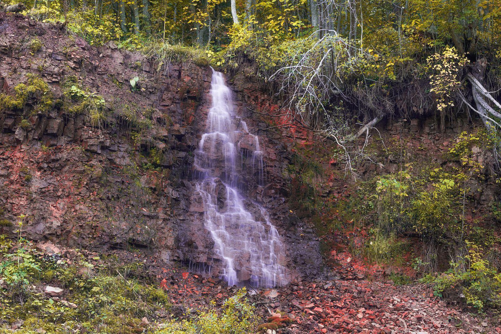 Долина водопадов. Река Рагуша. Долина реки Рагуши водопады река Рагуша