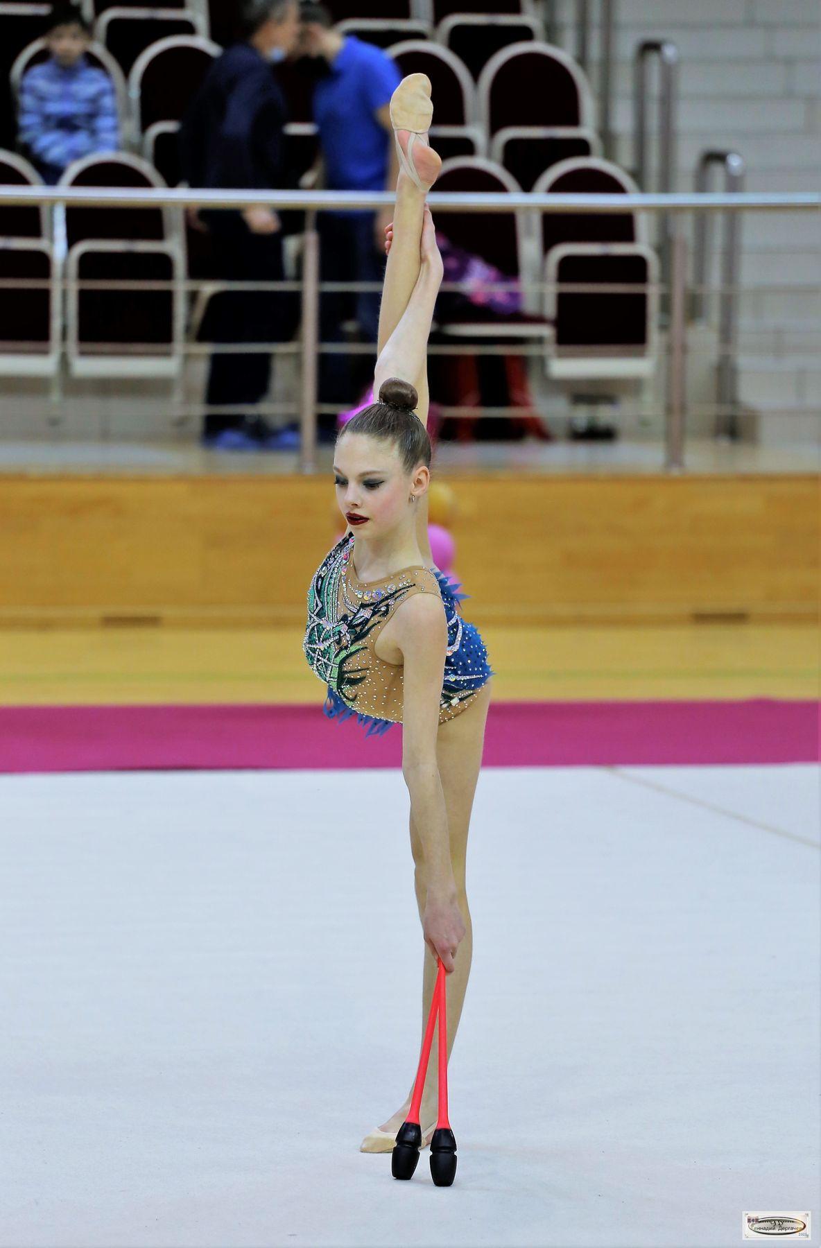 Как стоять по струнке струнка булавы гимнастка