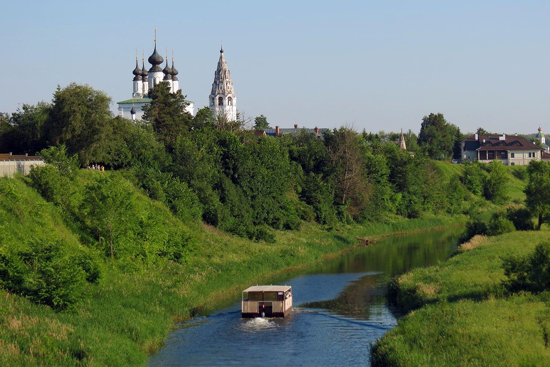 Вниз по Каменке реке Суздаль Золотое кольцо России